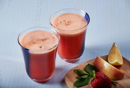 Apple and strawberry blend