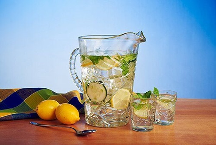 Cucumber-Lemon Flavored Water