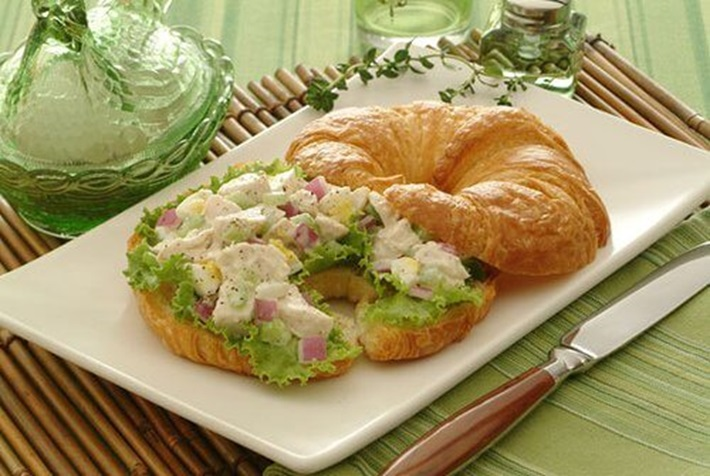 Cool and Crunchy Chicken Salad
