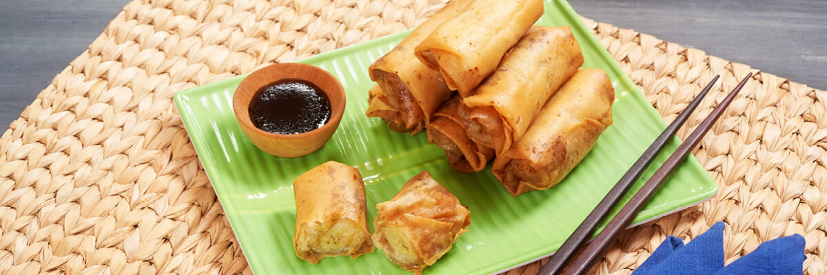 Turon (Filipino Banana Rolls)